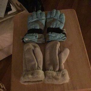 2 pairs kids gloves